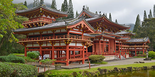 Byodo-In Temple with the Koolau mountains in the Valley of the T